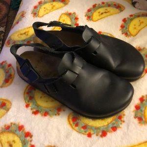 Birkenstock black non slip grip clogs